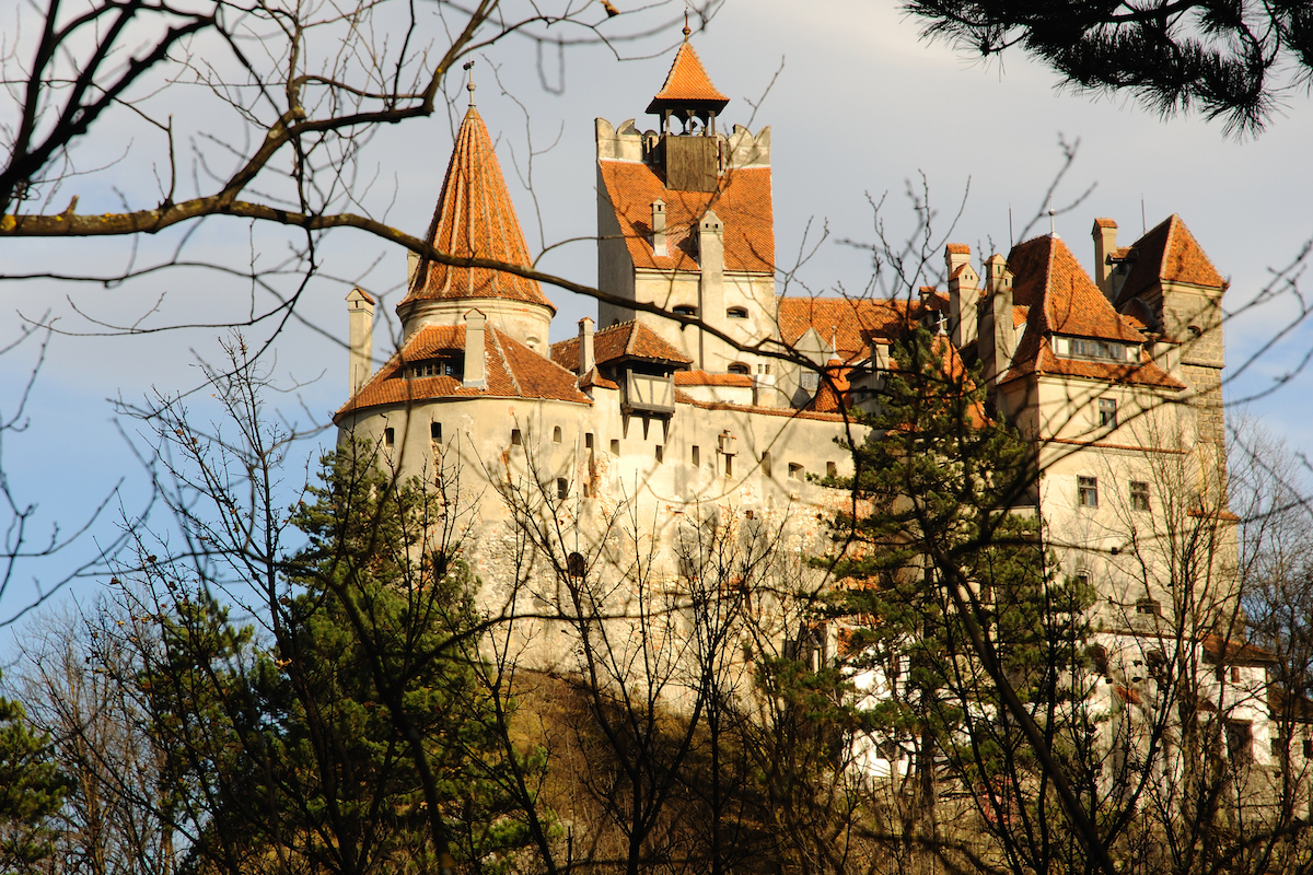 Assimil_Dracula's Bran Castle viewed through the trees